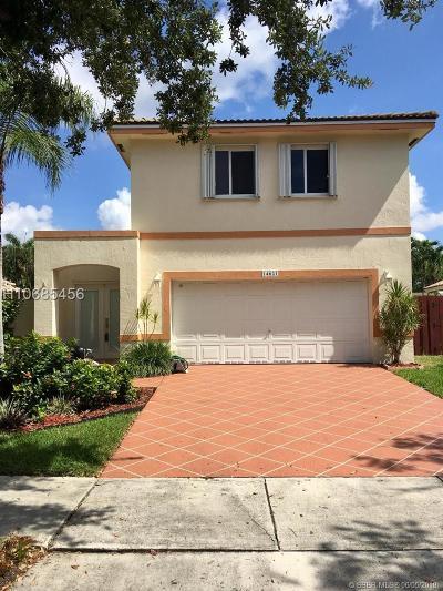 Davie Single Family Home For Sale: 14621 Vista Verdi Rd
