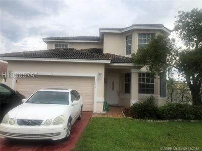 Pembroke Pines Single Family Home For Sale: 16403 NW 18th St