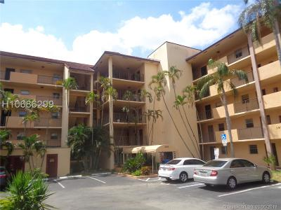 Sunrise Condo/Townhouse For Sale: 3955 N Nob Hill Rd #310