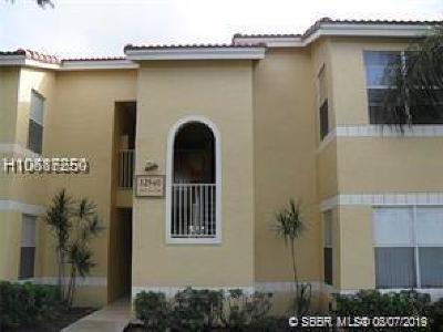 Sunrise Condo/Townhouse For Sale: 12540 Vista Isles Dr #1117