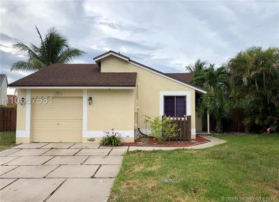 Pembroke Pines Single Family Home For Sale: 950 SW 111th Ave