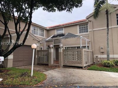 Cooper City Condo/Townhouse For Sale: 11047 Long Boat Dr #11047