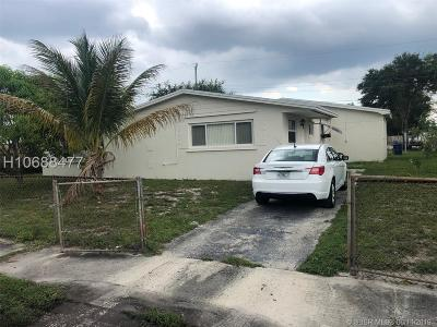 Miami Gardens Single Family Home For Sale: 3520 NW 208th Ter