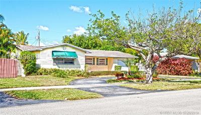 Hollywood Single Family Home For Sale: 440 N Rainbow Dr