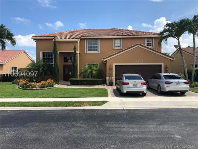 Pembroke Pines Single Family Home For Sale: 19964 3rd Pl