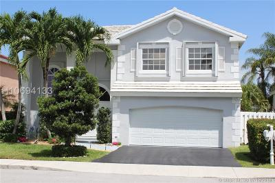 Davie Single Family Home For Sale: 621 Lowell Ln