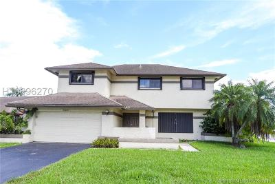 Davie Single Family Home For Sale: 8440 SW 55th Ct