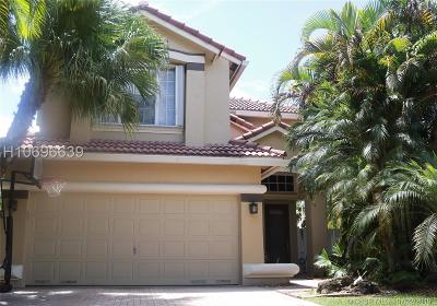 Dania Beach Single Family Home For Sale: 910 Natures Cove Rd