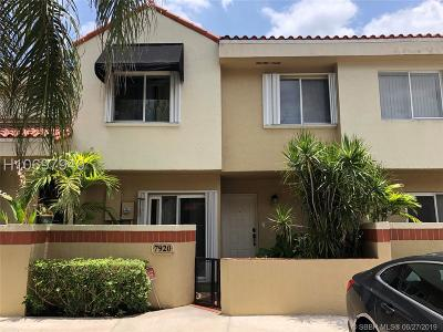 Plantation Condo/Townhouse For Sale: 7920 NW 7th Ct #7920
