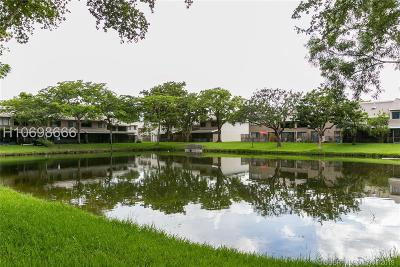 Davie Condo/Townhouse For Sale: 5020 S University Dr #3880