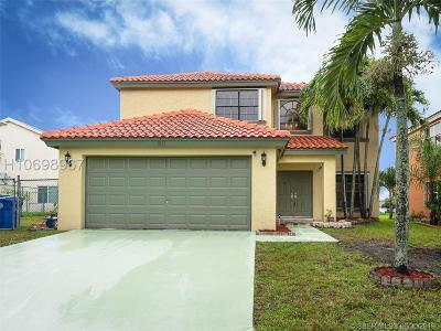 Pembroke Pines Single Family Home Active Under Contract: 1021 SW 88th Way