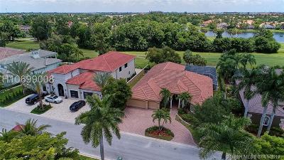 Pembroke Pines Single Family Home For Sale: 551 E Enclave Cir E