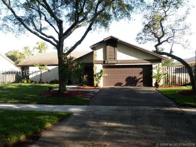 Cooper City Single Family Home For Sale: 12009 Flicker Way