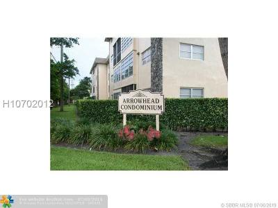 Condo/Townhouse Active Under Contract: 2471 SW 82nd Ave #210
