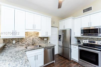 Hollywood Single Family Home For Sale: 7461 Taylor St