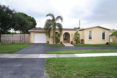 Cooper City Single Family Home For Sale: 9391 SW 54th Pl