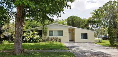 Hollywood Single Family Home Active Under Contract: 201 N 68th Way