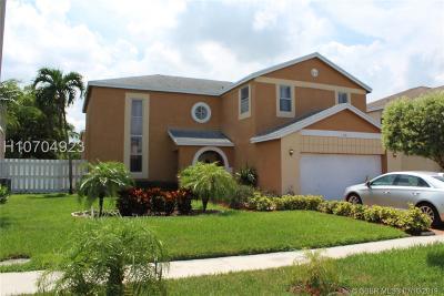 Miramar Single Family Home Active Under Contract: 3130 Ensenada Way