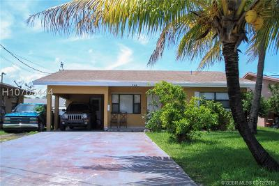 Hallandale Single Family Home For Sale: 748 NW 7th St