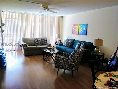 Plantation Condo/Townhouse For Sale: 120 SW 96th Ter #303