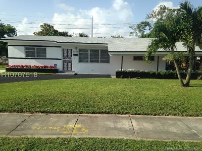 Miami Gardens Single Family Home For Sale: 4220 NW 183rd Ter