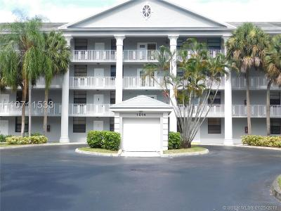 Davie Condo/Townhouse Active Under Contract: 1514 Whitehall Dr #102