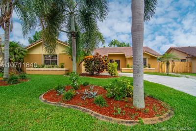 Davie Single Family Home For Sale: 6835 W Longbow Bnd