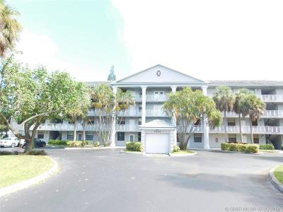 Davie Condo/Townhouse For Sale: 1506 Whitehall Dr #206