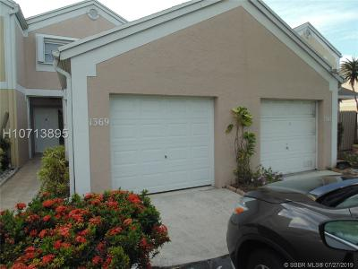 Pembroke Pines Condo/Townhouse For Sale: 1369 NW 124th Ave