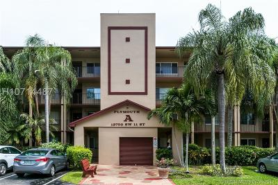 Pembroke Pines Condo/Townhouse For Sale: 13700 SW 11th St #404A