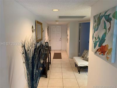 Pembroke Pines Condo/Townhouse For Sale: 13705 SW 12 Street #211-B