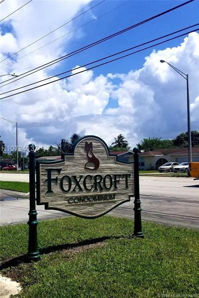 Miramar Condo/Townhouse For Sale: 3285 Foxcroft Rd #E208