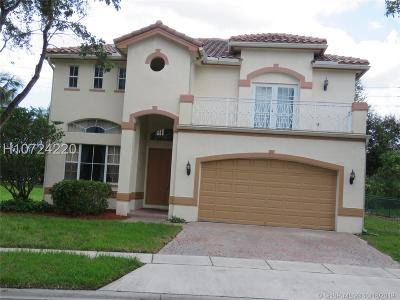 Miramar Single Family Home For Sale: 11720 SW 24th St