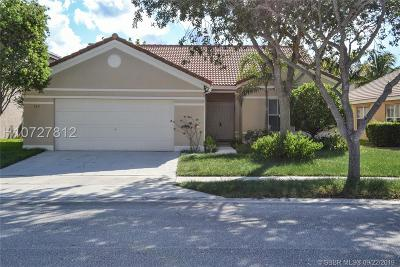 Weston Single Family Home For Sale: 549 Carrington Dr