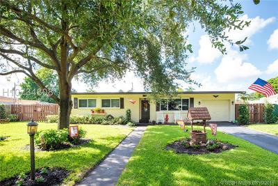 Plantation Single Family Home For Sale: 6884 NW 15th St