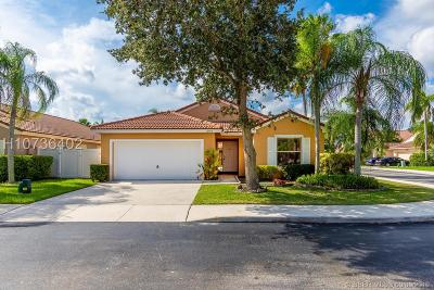 Pembroke Pines Single Family Home For Sale: 16598 NW 5th St