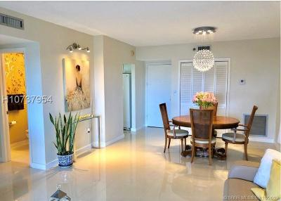 Hollywood Condo/Townhouse For Sale: 4001 Hillcrest Dr #503
