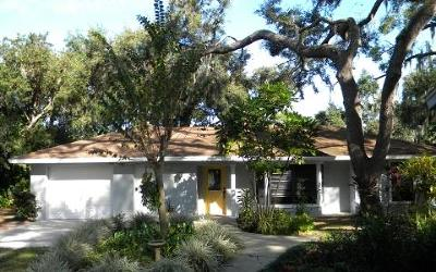 Lake Placid, Sebring, Lorida, Avon Park, Venus Single Family Home For Sale: 2110 Oak Beach Boulevard
