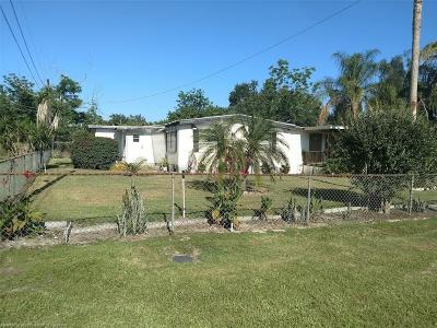 Avon Park Single Family Home For Sale: 27 Palm Circle