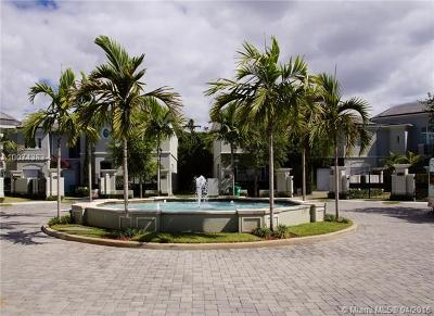 Pinecrest Condo/Townhouse For Sale: 10150 SW 75th Pl