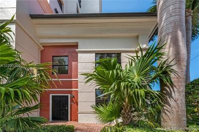 Coral Gables Condo/Townhouse For Sale: 888 S Douglas Road #101