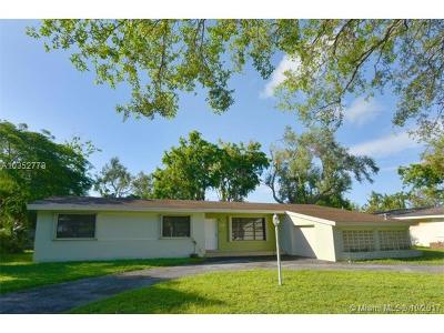 Pinecrest Single Family Home For Sale: 8340 SW 131st St
