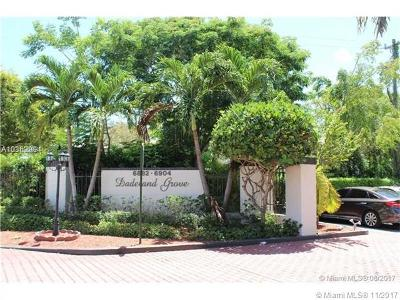 Pinecrest Condo/Townhouse For Sale: 6902 N Kendall Dr #E304