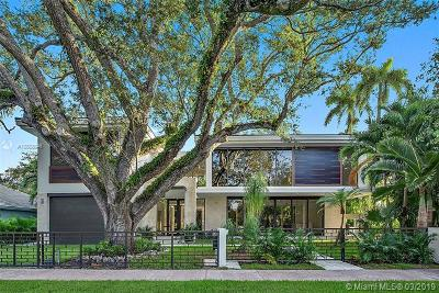 Coral Gables Single Family Home For Sale: 6345 Rivie Drive