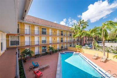 Coconut Grove Condo/Townhouse For Sale: 3245 Virginia St #37