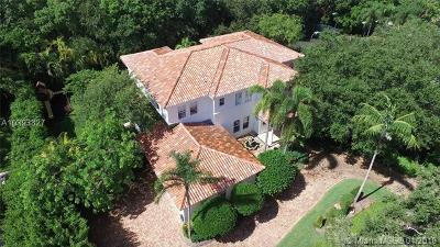 Coral Gables Single Family Home For Sale: 680 Destacada Ave
