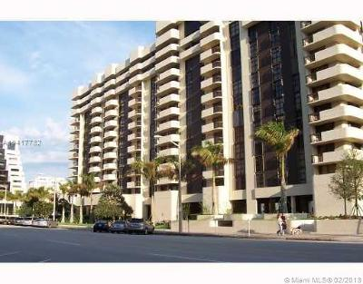 Coral Gables Condo/Townhouse For Sale: 600 Biltmore Way #704
