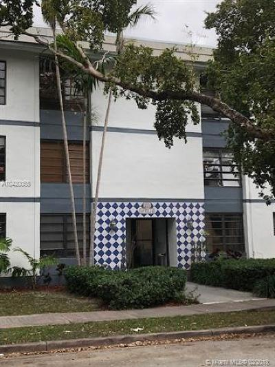 Coral Gables Condo/Townhouse For Sale: 235 Antilla Ave #5