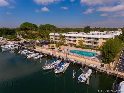Coral Gables Condo/Townhouse For Sale: 100 Edgewater Dr #103