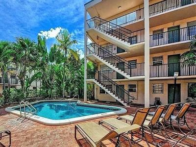 Coconut Grove Condo/Townhouse For Sale: 3242 Mary Street #S-314